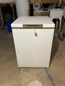 5.5 Cubic Foot Freezer