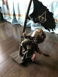 Assassin' s Creed III Limited Connor & Edward Kenway Statue