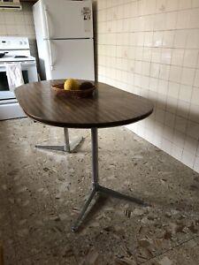Retro 70s dining table
