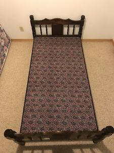 Twin/Single Wood Bed Frame For Sale **REDUCED PRICE**