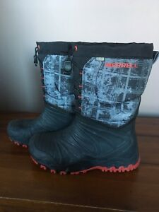 Excellent boys Merrell winter boots for sale