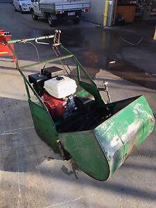 "Reconditioned 28"" Dwyer & Felton cylinder mower Forrestfield Kalamunda Area Preview"