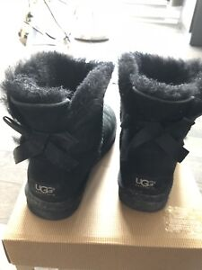 UGG BOOTS LIMITED EDITION