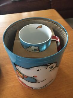 Polar bear cappuccino cups and saucers (2 pack) - new in tin