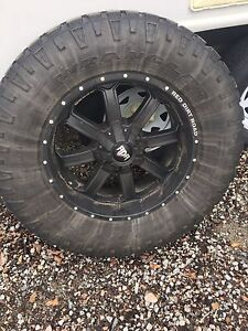 Ram 2500/3500 or Chevy 2500/3500 rims