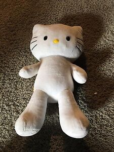 Hello Kitty build a bear, excellent condition