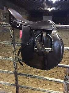 "16.5"" English Saddle"