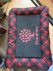 For sale Canadiana bed pet