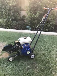 LAWN EDGER 4 STROKE calls or txt only 150 FIRM Byford Serpentine Area Preview