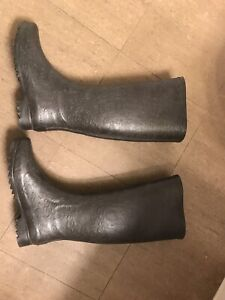 Ugg rain boots and Tory Burch calista boot size 7