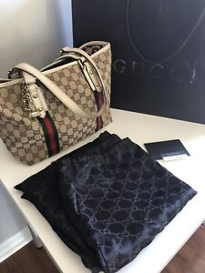 Gucci GG logo print canvas handbag authentic