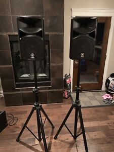 Two Yamaha STAGEPAS 400i & Yorkville Stands