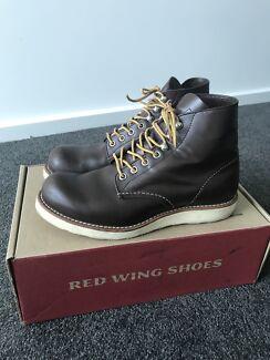 Redwing boots plain toe 8134
