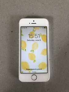 *Unlocked* Apple iPhone 5s 16GB Silver — all original!