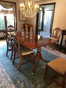 Vintage 9 pc.  Dining Room Suite