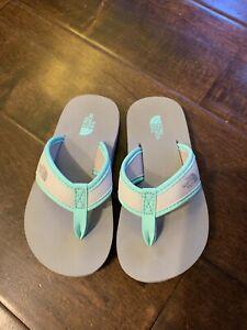 Toddler girls size 9 North Face Flip Flops