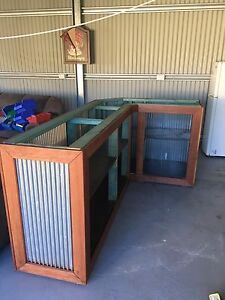 Corrugated iron timber bar Aberglasslyn Maitland Area Preview