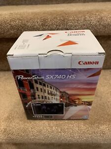 Brand New Sealed Canon PowerShot SX740 HS (silver) with case