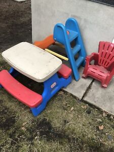 Little Tikes Pickic Table Slide and 2 Chairs