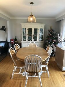 Mennonite made solid oak dining table and 6 chairs