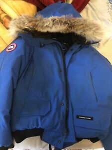 Cheap authentic CANADA GOOSE PBI EDITION LARGE only $600!!
