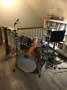 Mapex 5 Piece Drum Set