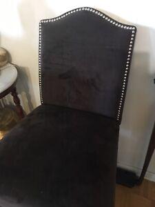 Island velvet chair