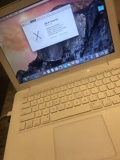 MacBook ( Mid  2010 )