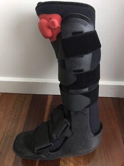 Walking Leg brace / Aircast / Moon Boot