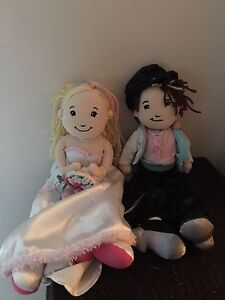 Bride and groom groovy girl dolls