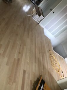 Laminate installation $0.80 and hardwood $1.30