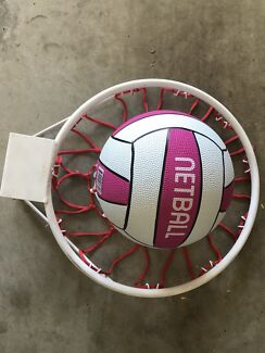 NETBALL HOOP with BALL & NET ARE NEW