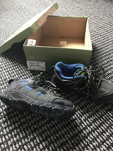 Boys Hiker shoe/ running outdoor shoe Size 13