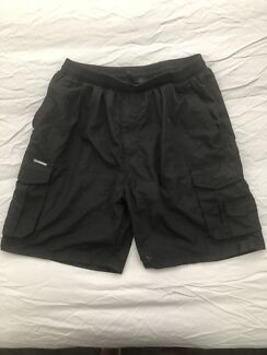 Men's 2XL black shorts (new without tags)