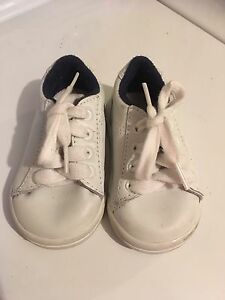 shoes size 2 unisex/boy/girl. Georgetown/Mississauga/Toronto