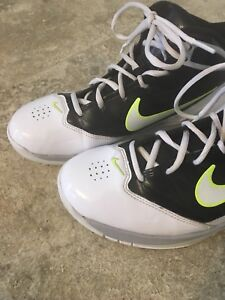 Girls BBALL Shoes - 5.5