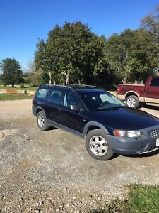 Volvo XC70 AWD *Great Condition*