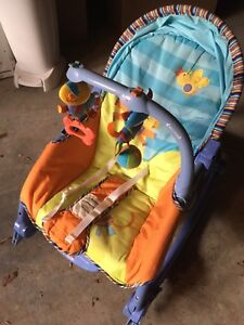 Baby rocking chair with vibrate mode and mobile