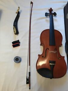 Violin and accessories