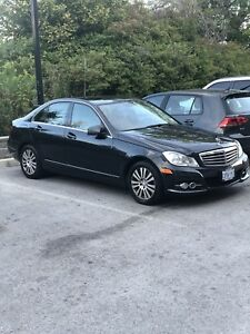 2012 Mercedes-Benz C250! Leather! Moonroof Luxury Edition