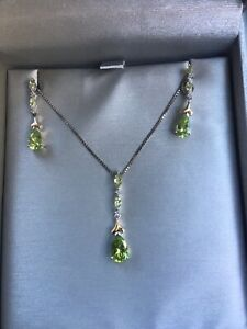 14k necklace and earring set