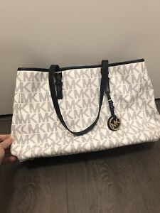 Michael Kors Tote-Navy blue. From flagship store