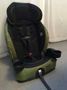 Car seats (3 available)