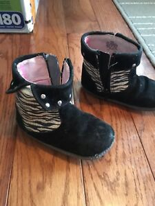 Leather robeez boots/shoes