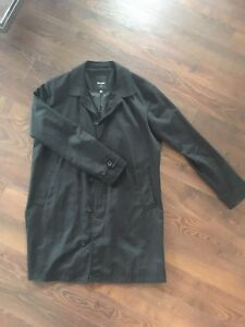 Men's lightweight trench coat, size large