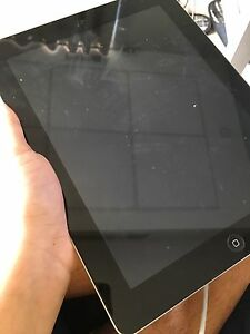 iPad 4 Wifi Only. No scratches