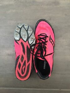 Running shoes/spikes