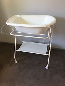 Baby bath Cranebrook Penrith Area Preview