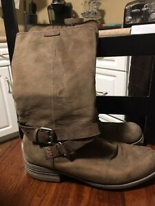 Women's Leather Boots Size 9