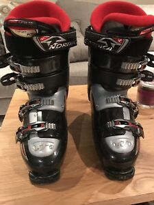 Men's Ski Boots and bag